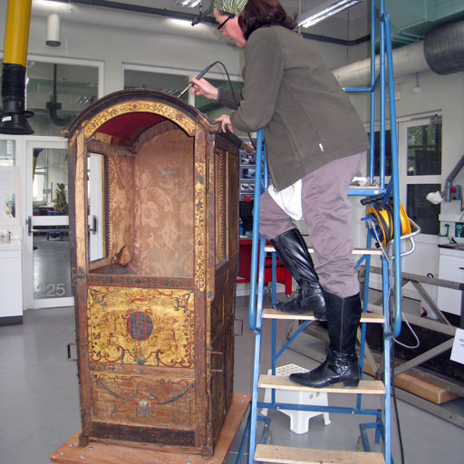 Photo restauration toit chaise à porteur